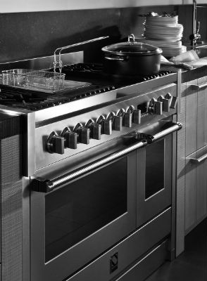Gallery Image- Steel Upright Cooker
