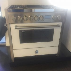 Genesi 90cm Cooker In White (Ex-Display) - Front
